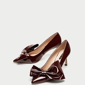 Zara FAUX PATENT COURT SHOES WITH BOW-ref 6228/201
